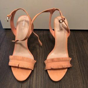 Aldo peach sandals 🍑 size 9 lightly worn